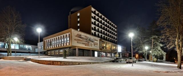Hotel-Alexander-exterier-zima
