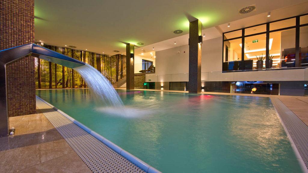 Hotel-Lesna-bazen