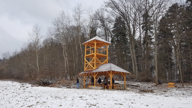 rozhladna-hrad-kamen